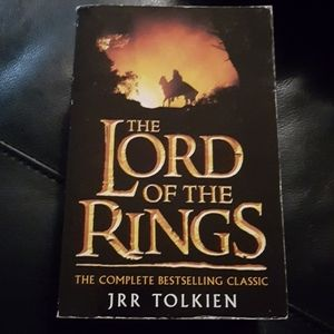 JRR TOLKIEN: Lord of the Rings 3in1 book